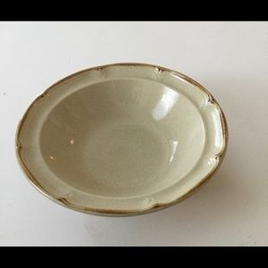 the Classic by Hearthside Stoneware Japan bowls